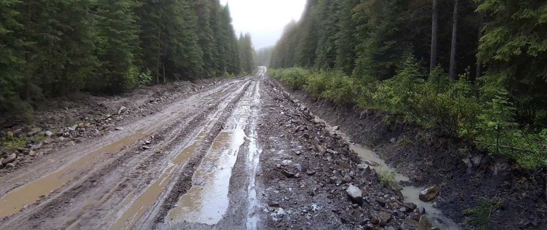 Wet-Weather-Bikepacking-Tour Divide-Alberta